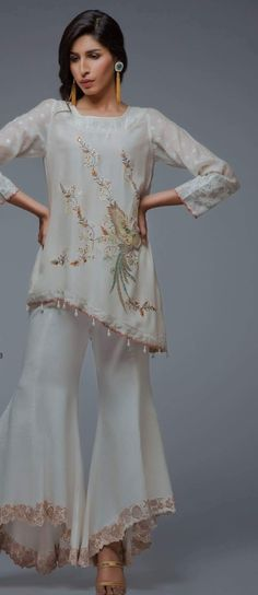 Gharara Pants, Dress Fashion, Fashion Outfits, Suits For Women, Clothes For Women, Pakistan Fashion, Summer Suits, Indian Suits, Pakistani Outfits