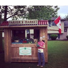 Opening day at Abby's Farmers Market! Rumour has it she sold out of strawberries by noon! Way to go Abby we're soo proud of you #teamleeandmarias #teamabby