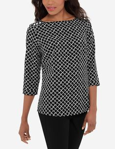 Smooth printed crepe is perfect for work! Pair this blouse with your favorite black suit to keep things traditional yet up-to-date. Stylish Outfits, Cute Outfits, Fashion Outfits, Shirt Blouses, Shirts, Black Suits, Blouses For Women, Tunic Tops