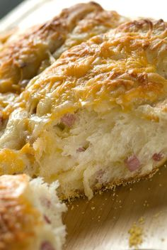 ham and cheese bread... this just makes my mouth water