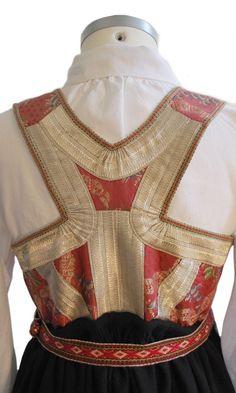 FINN – Aust-Agder - Åmlibunad Folk Fashion, Ethnic Fashion, Historical Women, Tribal Dress, Wedding Costumes, Apron Dress, Antique Clothing, Pinafore Dress, Folk Costume