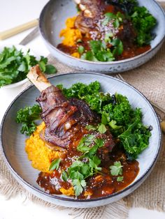 Balsamic slow cooker lamb shanks made with dried thyme and a rich tomato sauce. Tastes luxurious but healthy! Gluten free, dairy free and really easy to make! #slowcooker #lambshanks #slowcookedlamb #glutenfree #healthydinner