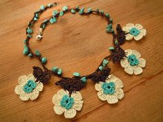 crochet flower necklace short turquoise white brown от PashaBodrum