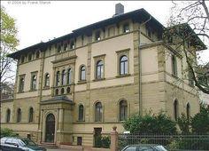 TOUCH dieses Bild: Palazzo im Westend/FFM. Warum Banknutzung ? Unser Mandant... by Hans-Georg Heffe-Sander