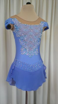 Hur kjolen är fastsatt och beading on the lace Ice Dance Dresses, Ice Skating Dresses, Dance Outfits, Cute Dance Costumes, Tap Costumes, Figure Skating Outfits, Figure Skating Costumes, Skate Wear, Rhythmic Gymnastics Costumes
