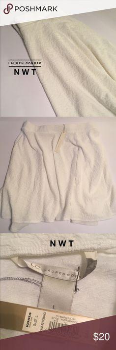 "🏆NWT Lauren Conrad White MiniSkirt Elas Waist S:L NWT Lauren Conrad • White • Jaquard print • Mini Skirt • Elastic Waist • Size: Large • Approx 17 1//2"" from waist • Great Condition • LC Lauren Conrad Skirts"
