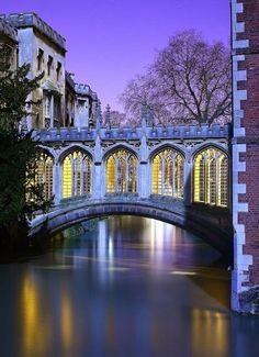 Bridge of Sighs, Cambridge, England   photo via loren