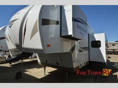 New 2015 Forest River RV Rockwood Signature Ultra Lite 8281WS Fifth Wheel at Fun Town RV | Cleburne, TX | #134675