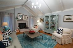 HGTV: The renovated living room is free of clutter and full of modern appeal, seen on Buying and Selling. Stucco Homes, Property Brothers, First Time Home Buyers, Cozy Living Rooms, Hgtv, Living Room Designs, Gallery Wall, Buy And Sell, Layout
