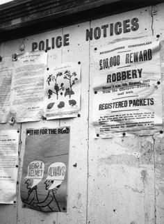22nd August 1963: Posters on a police notice board offering a £10,000 reward by the Buckinghamshire Constabulary for information regarding a robbery of 'registered packets' from the Glasgow-Euston train about 3am on 8th August 1963