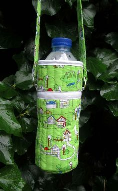Wonderful DIY Water Bottle Holder   Sewing projects, Sewing ... : quilted water bottle holder pattern - Adamdwight.com