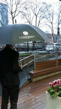 Prestamos paraguas para darle l vuelta a un día de lluvia