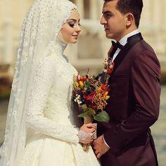 Like daisies, each leaf is a separate happiness Teset .- Papatyalar gibi sevdan her yaprağın ayrı bir mutluluk Tesettür Gelinlik Mod… Daisies like each leaf is a separate happiness Hijab Bridesmaid Dresses 2020 - Bridal Hijab, Hijab Wedding Dresses, Bridal Gowns, Bridesmaid Dresses, Couple Wedding Dress, Wedding Couples, Elie Saab Bridal, Bridal Wedding Shoes, Wedding Cakes