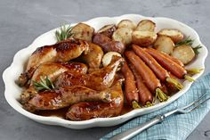 Un repas de poulet rôti offrant un pilon à tout le monde. Le tout cuit sur une seule plaque en une heure, sans dégât sur la surface de cuisson. Une excellente solution pour les familles pressées.