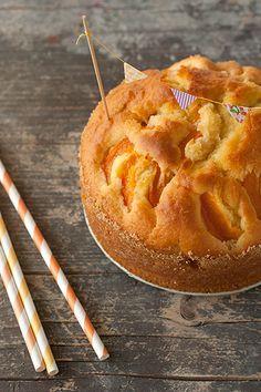 apricot cake - Torta con le albicocche (in italian)