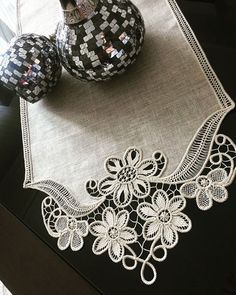 Angles saloon team real hand labor - My Recommendations Herb Embroidery, Cutwork Embroidery, Hand Embroidery Patterns, Crochet Motifs, Crochet Lace, Crochet Patterns, Needle Tatting, Needle Lace, Romanian Lace