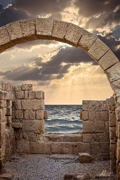 Caesarea Sunset In Israel Israel Jesuralem Dans notre blog beaucoup plus d'informations https://storelatina.com/israel/travelling #Israele #places #Israeli #ইস্রায়েল