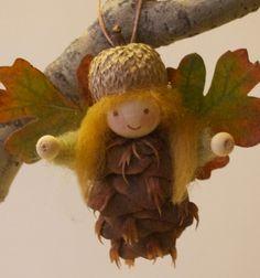 Pinecone fairy ornament - fall decor // Toboz tündérek - őszi díszek gyerekeknek //   Mindy -  creative craft ideas  //  #diy #csináldmagad #kreatívötletek #fall #autumn #craftideas #crafts