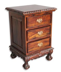CHIPPENDALE 3 DRAWER BESIDE: Made of solid mahogany wood; DIMENSIONS: L45xW40xH65 cm; PRICE: 17900/-