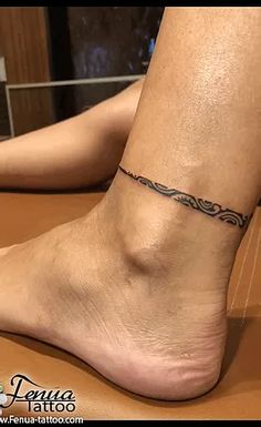 Galeries Photos Tatouages sur pied Tribal Foot Tattoos, Trendy Tattoos, Piercings, Tattoo Female, Tatoo, Photo Galleries, Peircings, Piercing, Fashion Tattoos