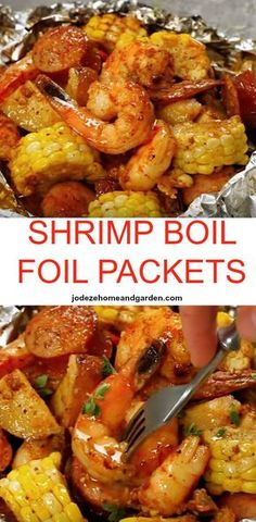 Shrimp Boil Foil Packets Shrimp Boil Foil Packets Packed With Shrimp Andouille Sausage Corn On The Cob And Baby Red Potatoes You Have A Full Meal Right In These Packets Packed With So Much Flavor And Just The Right Amount Of Heat Foil Packet Dinners, Foil Pack Meals, Foil Dinners, Grilling Foil Packets, Grilling Recipes, Fish Recipes, Seafood Recipes, Cooking Recipes, Sausage And Shrimp Recipes