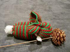 Lapin de Noël tricoté par leshistoiresdeslaine sur Etsy