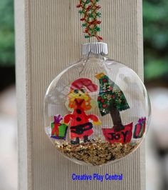 Picture-064-Christmas-bauble-tree-and-Santa-by-s-2013.jpg (900×1015)