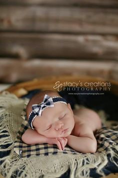 My favorite newborn shot yet. Cute Photography, Newborn Photography, Newborn Pictures, Baby Photos, Family Photos, Country Baby Pictures, Everything Baby, Baby Family, Baby Girl Newborn
