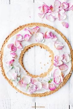 almond cake with rose petals