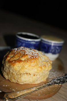 Himla gode scones – Bollefrua Fika, Something Sweet, Afternoon Tea, Breakfast Recipes, Muffin, Food Porn, Food And Drink, Baking, Desserts