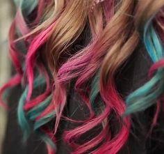 An effect rainbow http://www.etvonweb.be/52567-beaute---un-effet-arc-en-ciel-dans-les-cheveux-le-hair-chalking