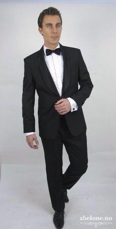 Dress til brudgom, fin dress til brudgommen, svart dress, Sort Dress Med Brokade På Kraven 7459 Black Tie Affair, Smoking, Dresser, Suit Jacket, Suits, Formal, Jackets, Style, Fashion