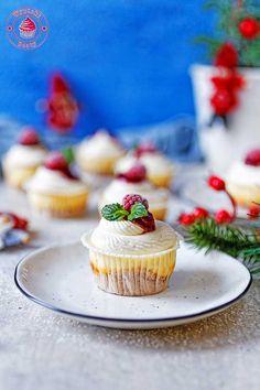 Mini cheesecakes with raspberry jam :) - miniserniczki z dżem malinowym Mini Cheesecakes, Mini Cupcakes, Raspberry, Cook, Recipes, Pictures, Mascarpone, Photos, Recipies