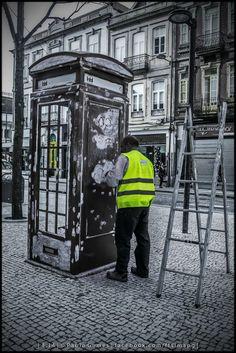 Cabine telefónica II / Cabina telefónica II / Phone Booth II [2014 - Porto / Oporto - Portugal] #fotografia #fotografias #photography #foto #fotos #photo #photos #local #locais #locals #cidade #cidades #ciudad #ciudades #city #cities #europa #europe #pessoa #pessoas #persona #personas #people #porto #oporto #street #streetview