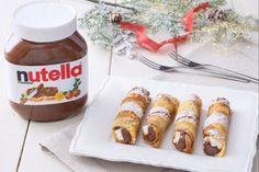 Pandoro cannoli and Nutella® - Pandoro Cannoli and Nutella® Recipe - The GialloZafferano Recipe - No Cook Desserts, Just Desserts, Dessert Recipes, Greek Recipes, Italian Recipes, Ricotta, Cannoli, Hazelnut Spread, Romanian Food