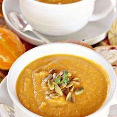 Panera Bread's Autumn Squash Soup @keyingredient #honey #soup #bread