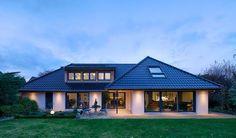 Une famille construit sa maison en seulement 10 mois : le résultat est spectaculaire