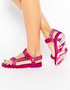 Buy Teva Original Universal Marbled Pink Flat Sandals at ASOS. With free delivery and return options (Ts&Cs apply), online shopping has never been so easy. Get the latest trends with ASOS now. Ankle Strap Flats, Ankle Wrap Sandals, Flat Sandals, Strap Sandals, Teva Original Universal, Pink Flats, Pink Marble, Sport Sandals, Summer Shoes