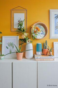 Turquoise Kitchen Decor, Bedroom Turquoise, Yellow Walls Living Room, Living Room Decor, Living Room Inspiration, Interior Inspiration, Rental Home Decor, Rental Homes, Deco Studio