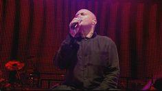 Phil Collins - Groovy Kind of Love (Paris 2004) HD