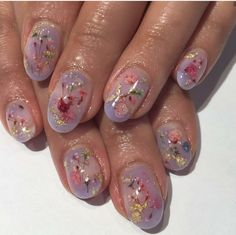 The advantage of the gel is that it allows you to enjoy your French manicure for a long time. There are four different ways to make a French manicure on gel nails. Rose Nail Art, Floral Nail Art, Rose Nails, Flower Nails, Pastel Floral, Gorgeous Nails, Pretty Nails, Perfect Nails, Amazing Nails