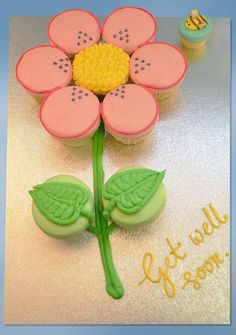 6 cute cupcake cakes: Daisy, sunflower, rocketship, princess and surfboard