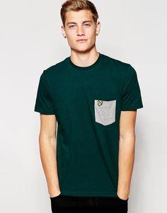 Mega fede Lyle & Scott T-Shirt with Contrast Pocket - Scotts g Lyle & Scott New In til Herrer i luksus kvalitet
