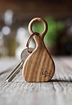 Key ring cutting board - Cutting Board - Ideas of Cutting Board Small Wood Projects, Scrap Wood Projects, Woodworking Projects, Diy Cutting Board, Wood Cutting Boards, Bois Diy, Wooden Gifts, Diy Holz, Wood Creations