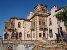 Ca'd'zan Mansion (Owned by Ringlings Circus and now a circus museum), in Sarasota, Florida - (1928), overlooking the ocean.