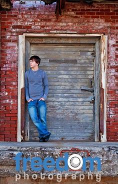 Trendy Photography Poses Male Boy Photos Ideas Trendy Photography Poses Male Boy Photos IdeasYou can find Senior boy poses and more on our websit. Senior Picture Poses, Boy Senior Portraits, Senior Boy Poses, Poses Photo, Male Senior Pictures, Senior Guys, Senior Session, Senior Year, Guy Poses