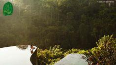 Ubud Hanging Gardens Luxury Hotel & Spa Resort in Bali, Indonesia. Ubud Hanging Gardens, Ubud Resort, Resort Spa, Ubud Hotels, Hotels And Resorts, Amazing Swimming Pools, Cool Pools, Santa Lucia, Most Romantic Places