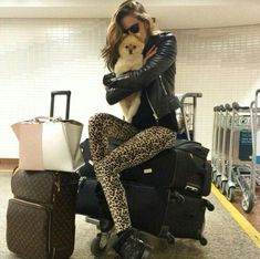 New Travel Fashion Airport Jet Set Ideas New Travel, Travel Style, Travel Fashion, Travel Bag Essentials, Disney With A Toddler, Travel Clothes Women, Luxe Life, Beautiful Places To Travel, Victorias Secret Models
