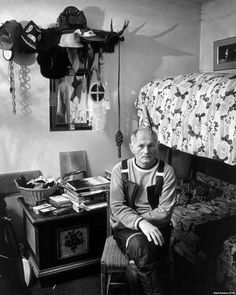 Born 100 years ago in Brno on March Bohumil Hrabal was one of the most important Czech writers of the century. Important People, Good People, Writers And Poets, Famous People, The 100, Hero, History, Portrait, Nooks