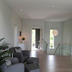 My view right now✔️ 5 minutter på sofaen etter middag er vel lov?☕️ I dag begynner prosjekt vaskerom🙌🏻🎶💃🏻 _________________ #interior #inspiration #interior4you #interior4all #interior4you1 #interior9508 #interior123 #interiordesign #interiorstyling #instahome #instadesign #designinterior #nordicinspiration #scandinaviandesign #finahem #vakrehjem #homedesign #homedecor #livingroom #interior_and_living #interiørmagasinet #boligpluss #whiteinterior #mynorwegianhome #villalille